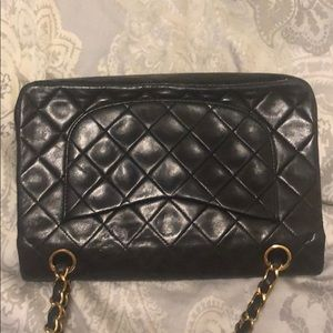 CHANEL Bags - Classic Chanel double strap quilted bag